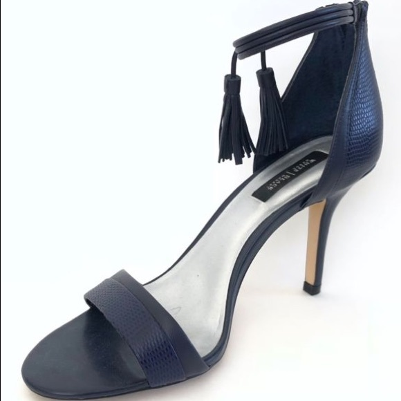 2525b6c690fd5 UNWORN White House Black Market Navy Heels Size 9 NWT